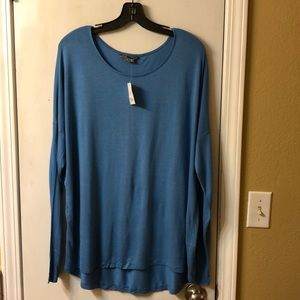 NWT 🌺 Vince long sleeve t shirt